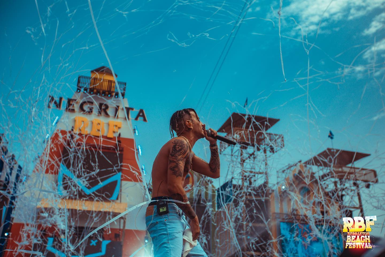 Reggaeton Beach Festival Myke Towers min