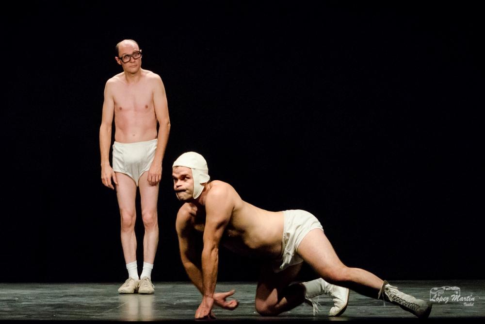 Slips inside teatro Pontevedra