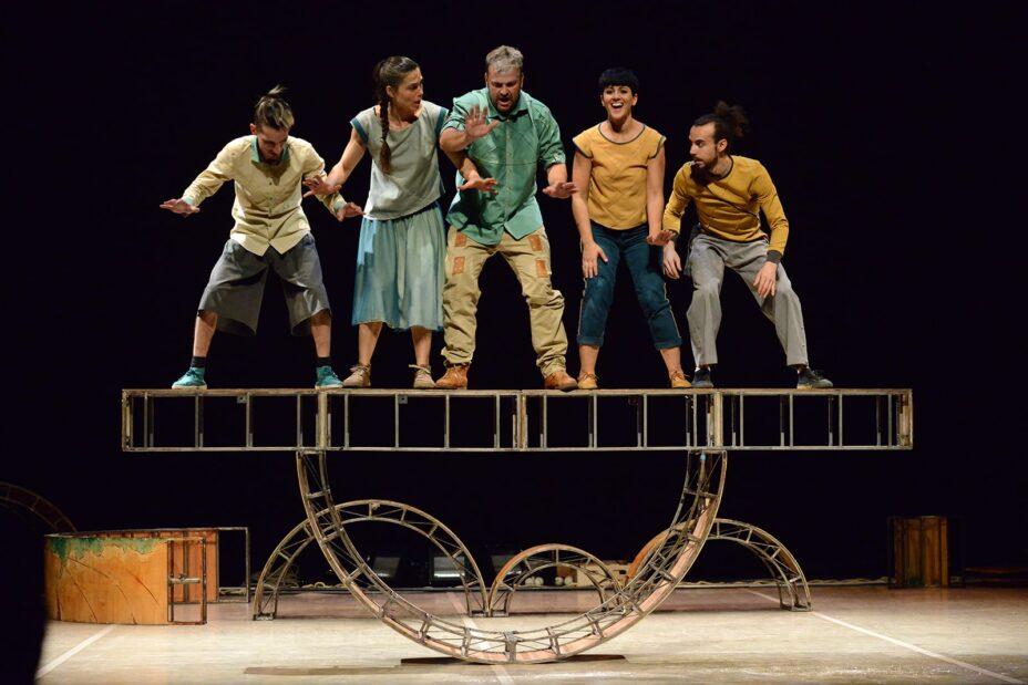 Teatro de Vaivén Circo 'Esencial' en Salamanca