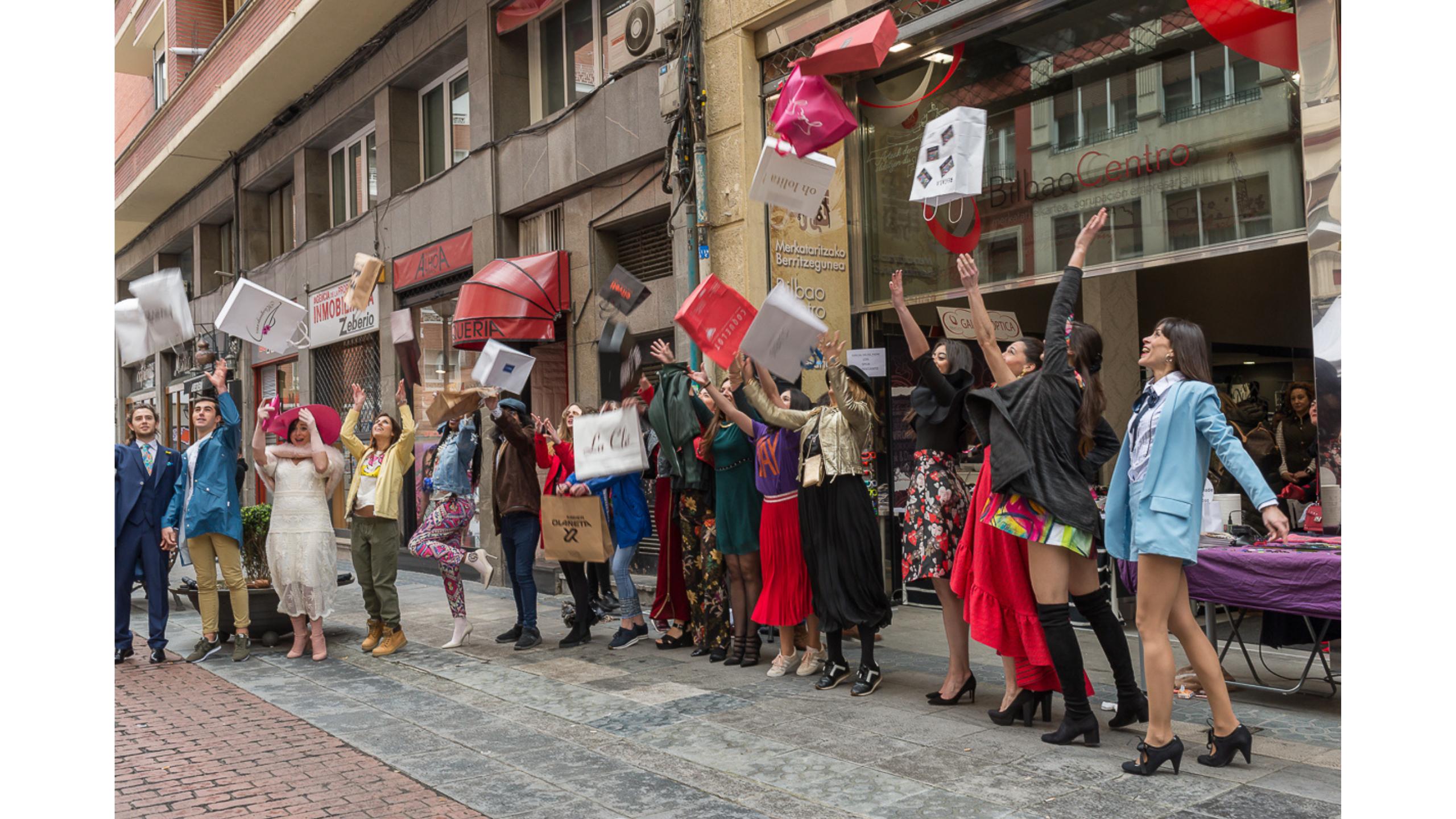 La moda recupera la calle con motivo del Shopping Eguna