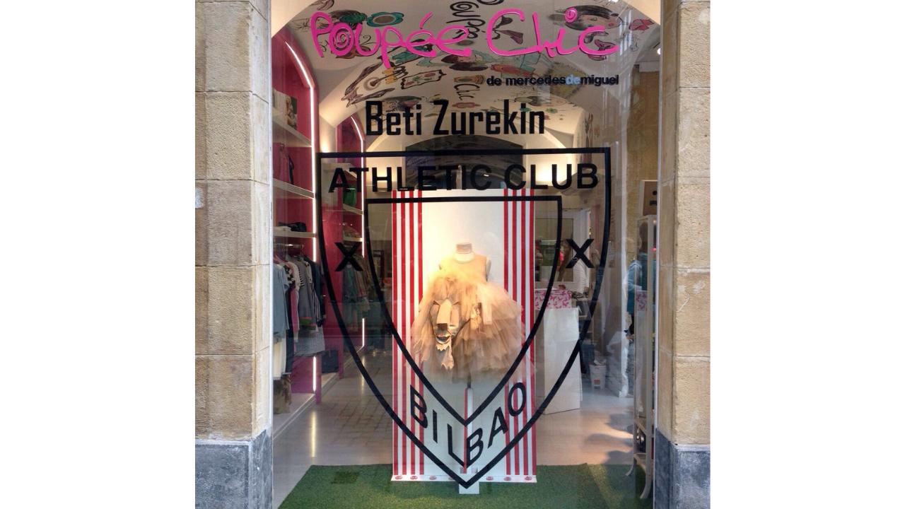 Los comercios de Bilbao se preparan para vestirse de rojiblanco