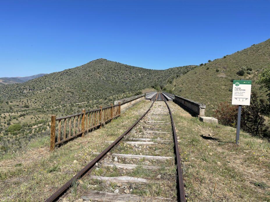 Vía férrea Camino de Hierro
