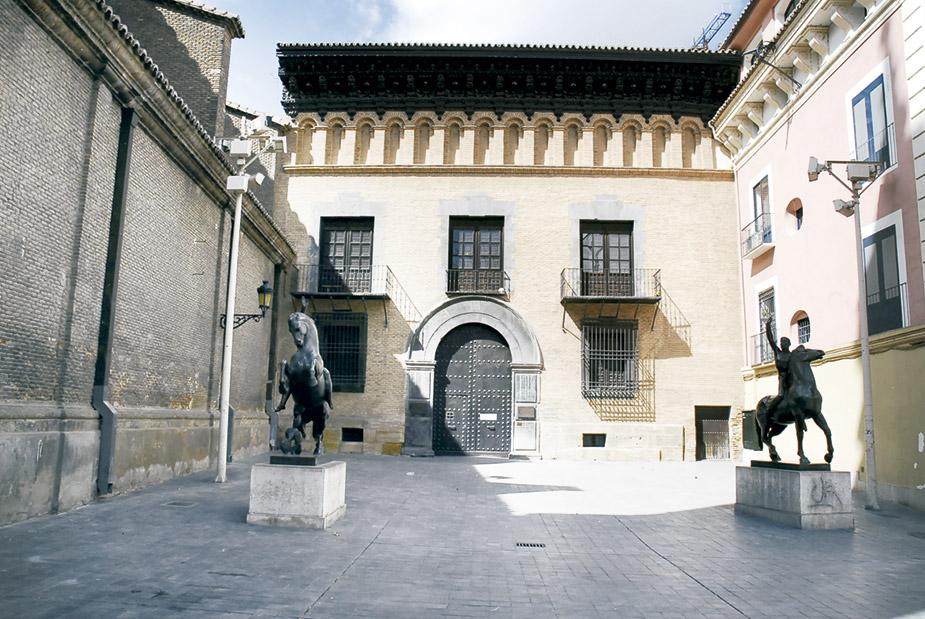 Palacios de Zaragoza. Palacio de los condes de Arguillo museo Pablo Gargallo