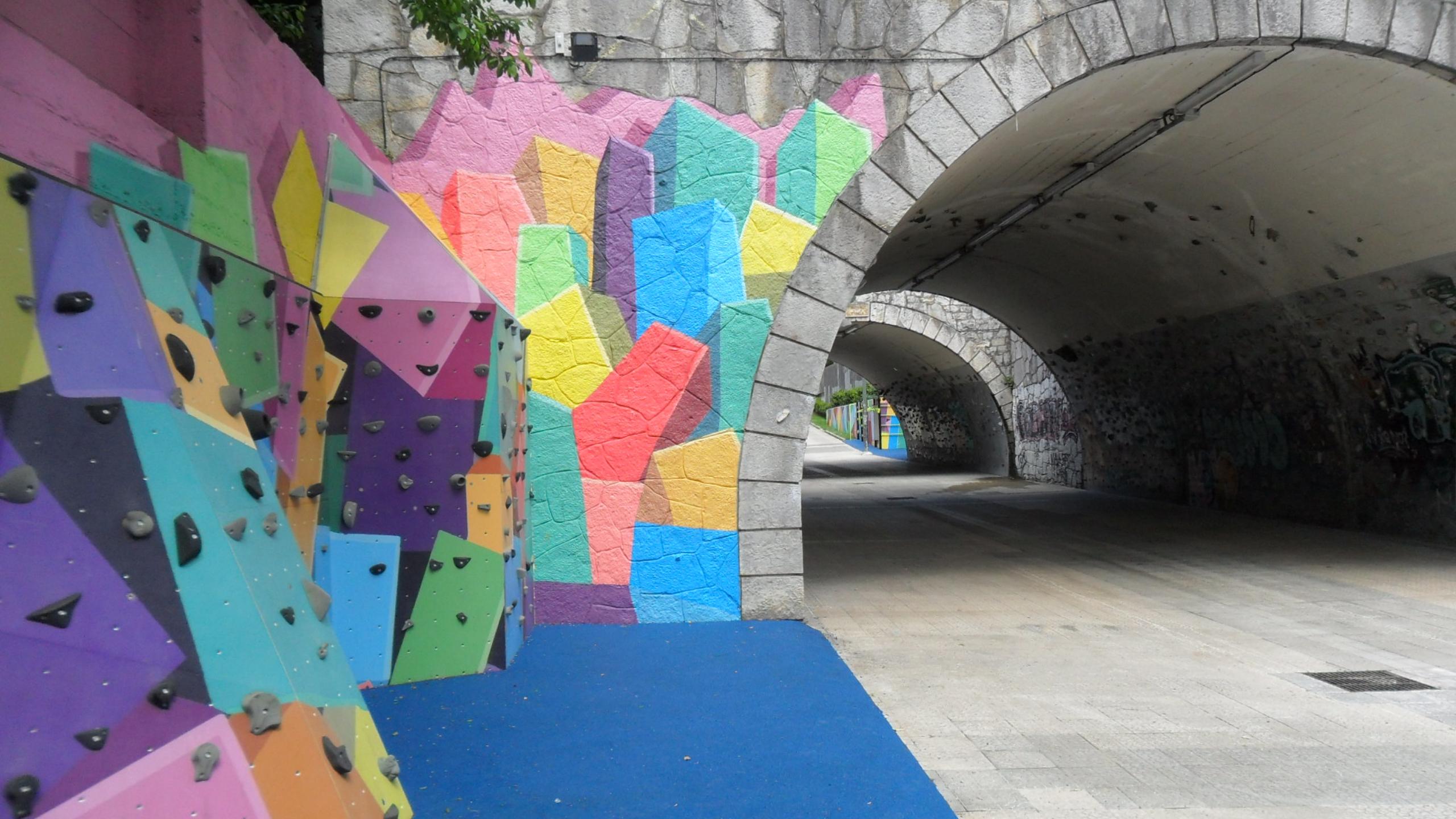 El Ayuntamiento de Bilbao finaliza el acondicionamiento del túnel y el entorno de la calle Txomin Garat en Txurdinaga