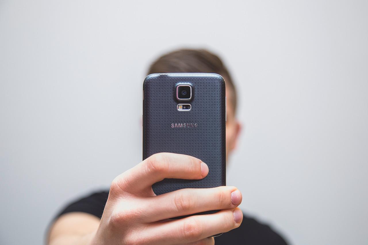 Cámara de smartphone delantera
