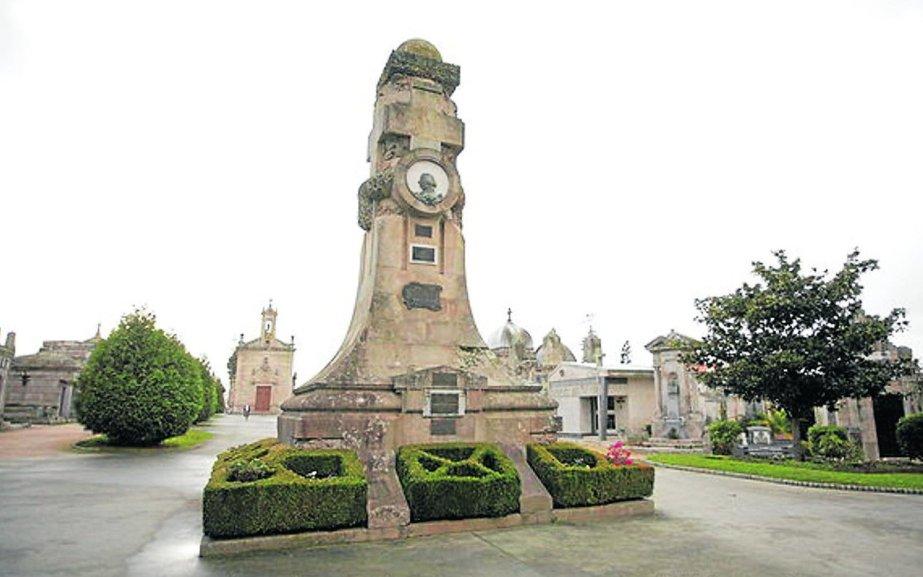 La historia de Vigo a través de una ruta por el cementerio de Pereiró