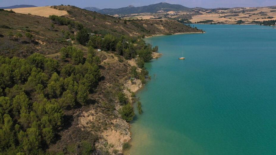 Embalse de Alloz playas artificiales espana