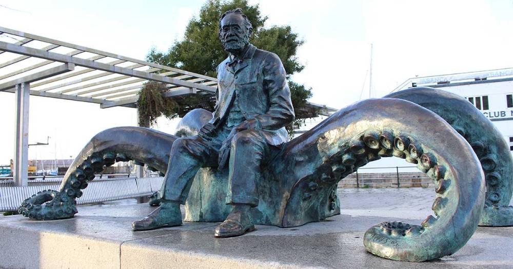 Estatua Julio Verne rutas turísticas Vigo