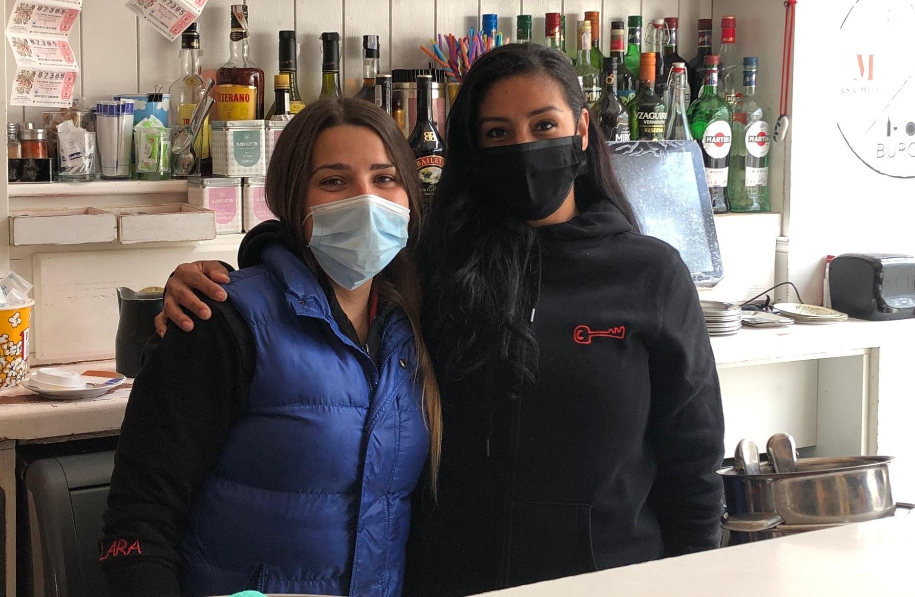 Lara y Paola