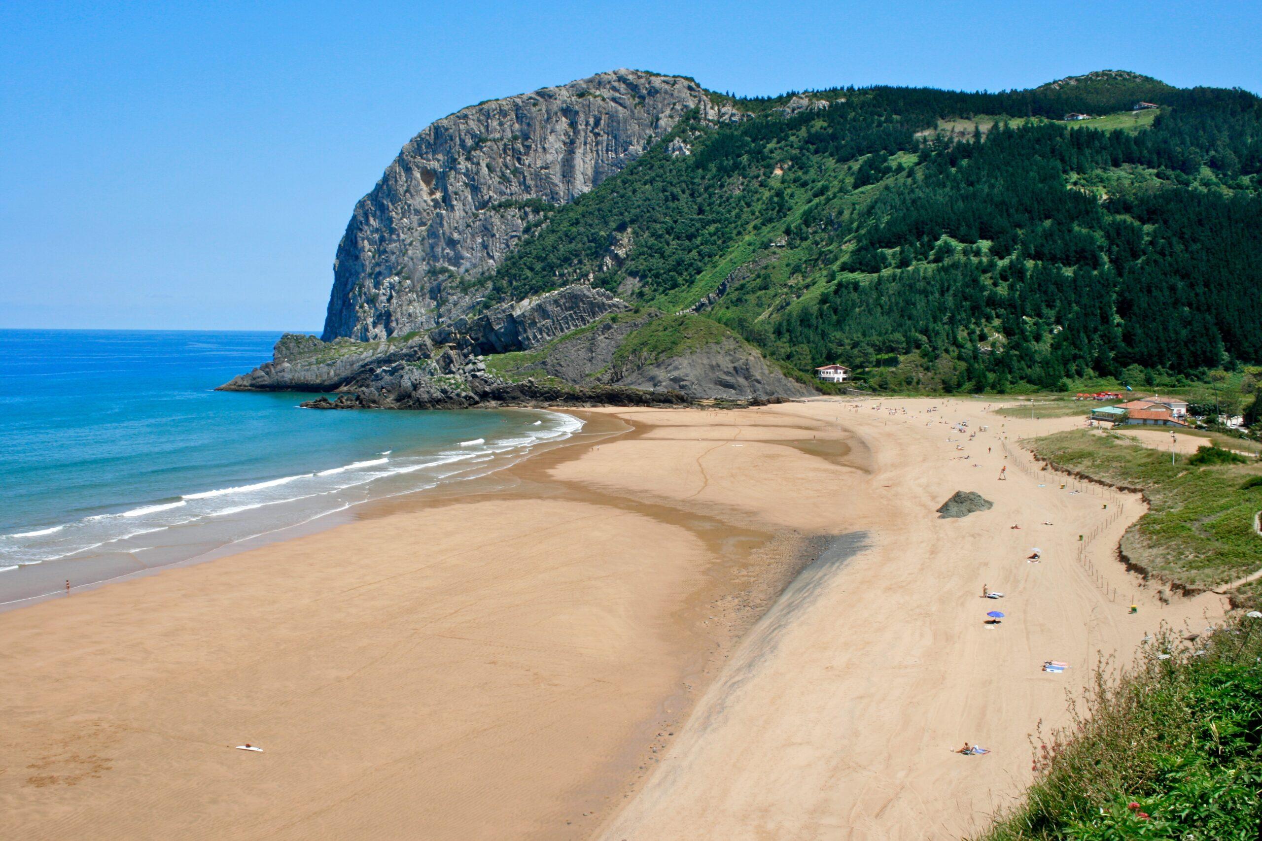 Playa Laga Ibarrangelu Vizcaya.