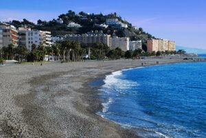 mejores playas Andalucía Playa de Puerta del Mar Almunecar, Granada