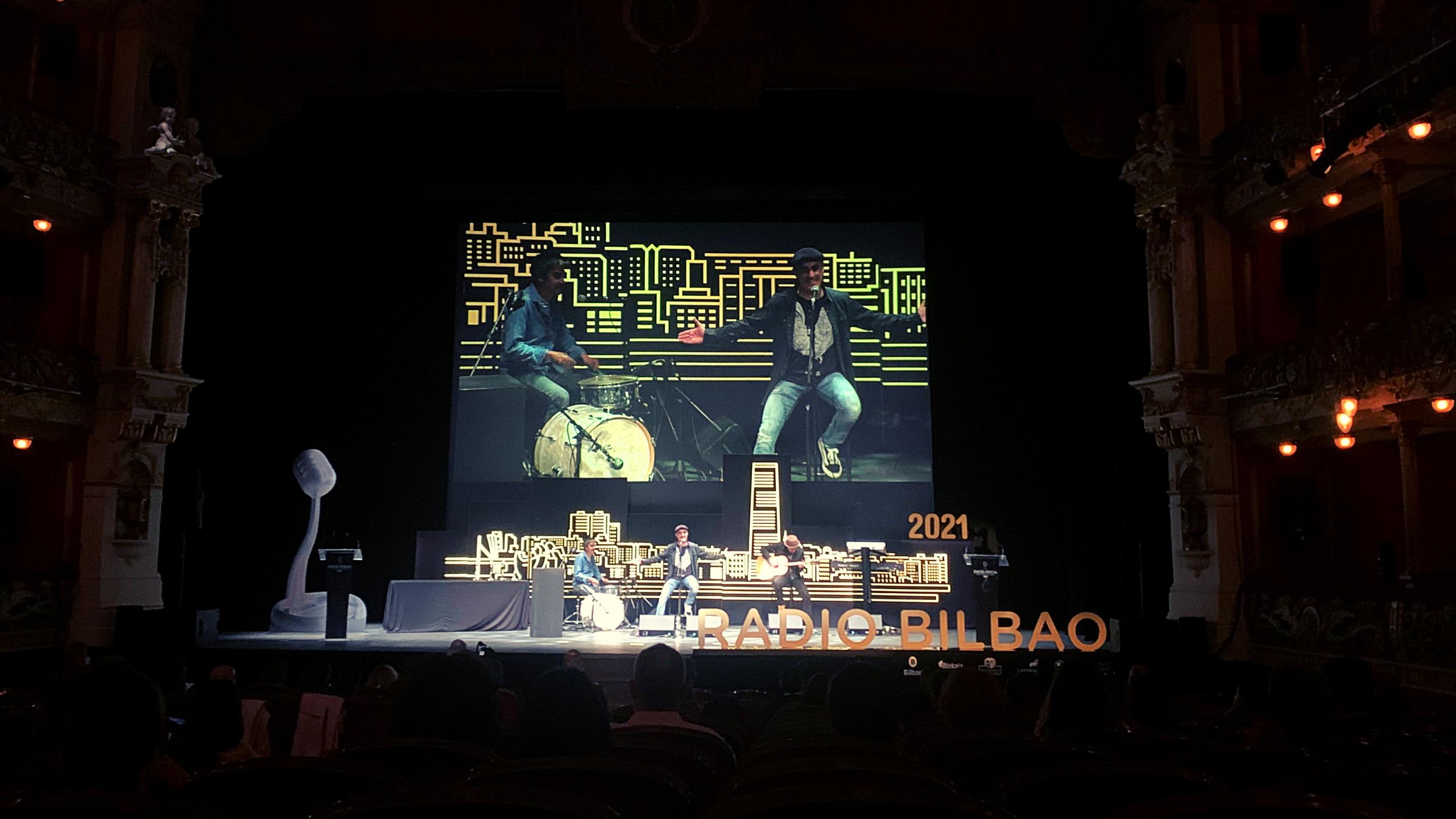 Radio Bilbao entrega sus Premios a la Excelencia en el Teatro Arriaga