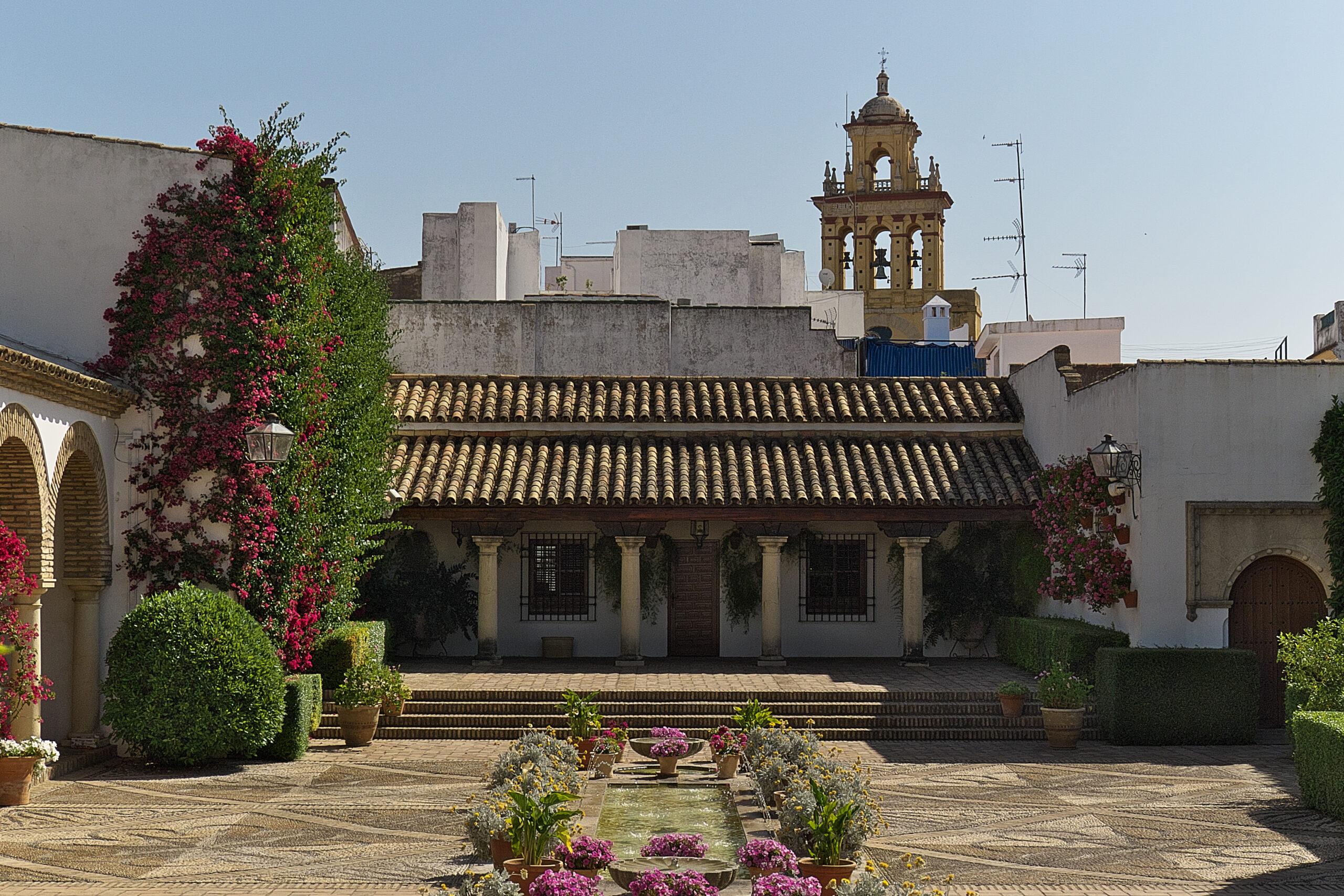 El Palacio de Viana presenta su programa de teatro y conciertos para amenizar las noches de verano