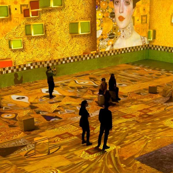 Klimt. La experiencia inmersiva en Ideal Barcelona