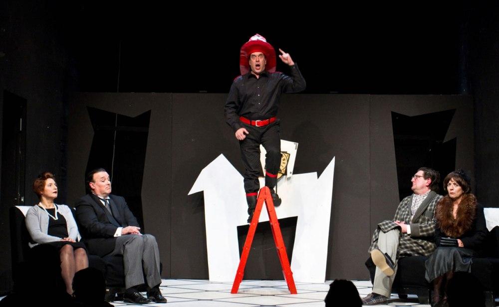 La cantante calva, obra de teatro en la sala Ártika de Vigo