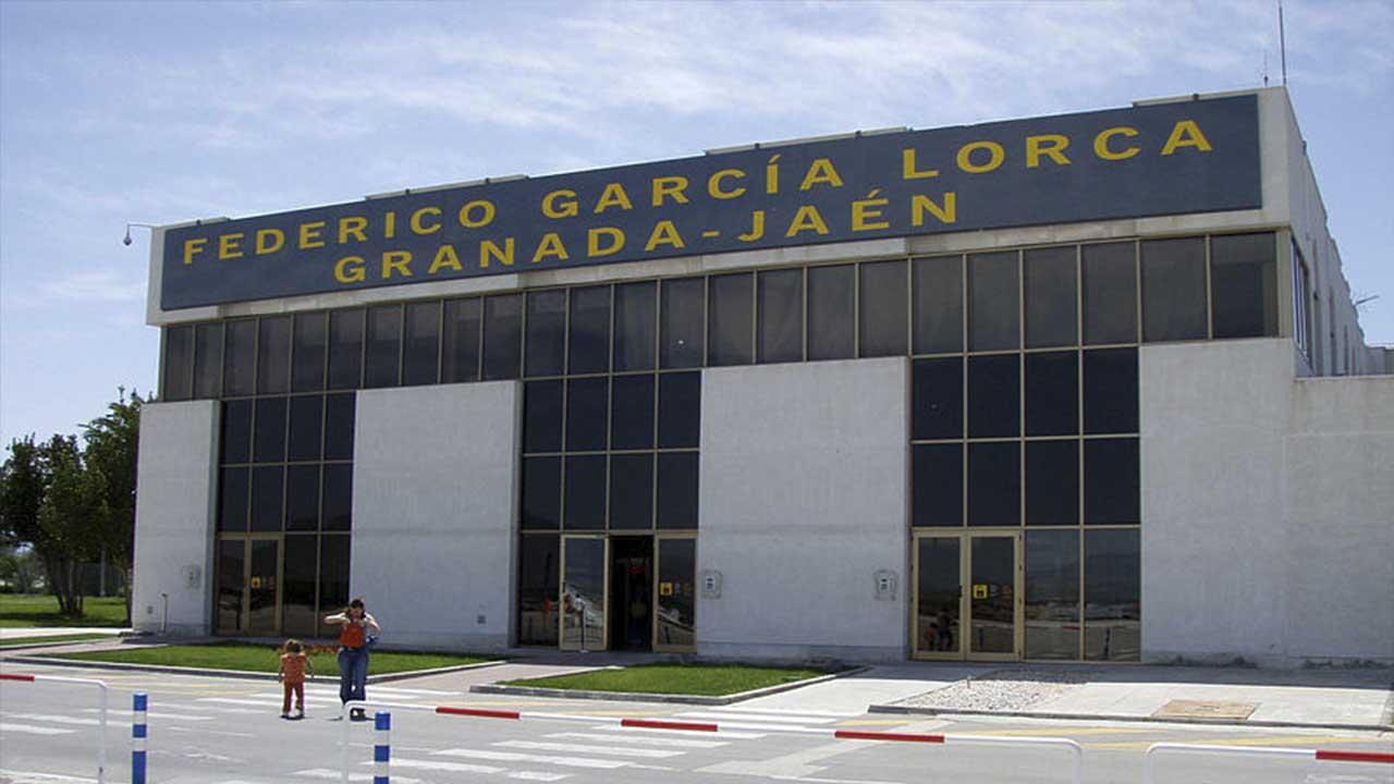 Terminal de salidas del Aeropuerto de Granada en el municipio de Chauchina