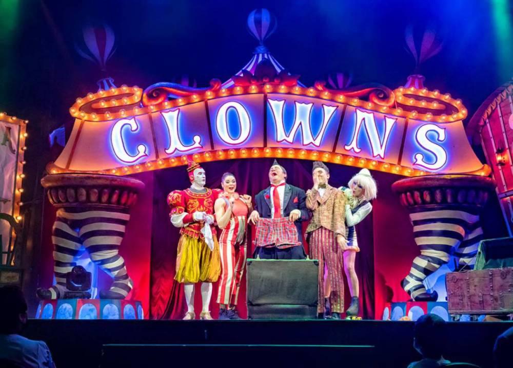 Clowns, espectáculo de nuevo circo en Vigo