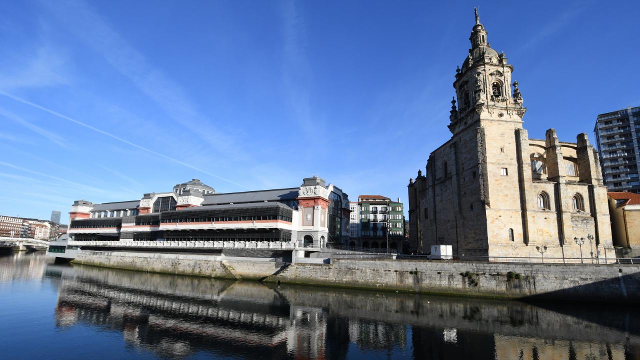Los mercados municipales de Bilbao recuperan su horario habitual