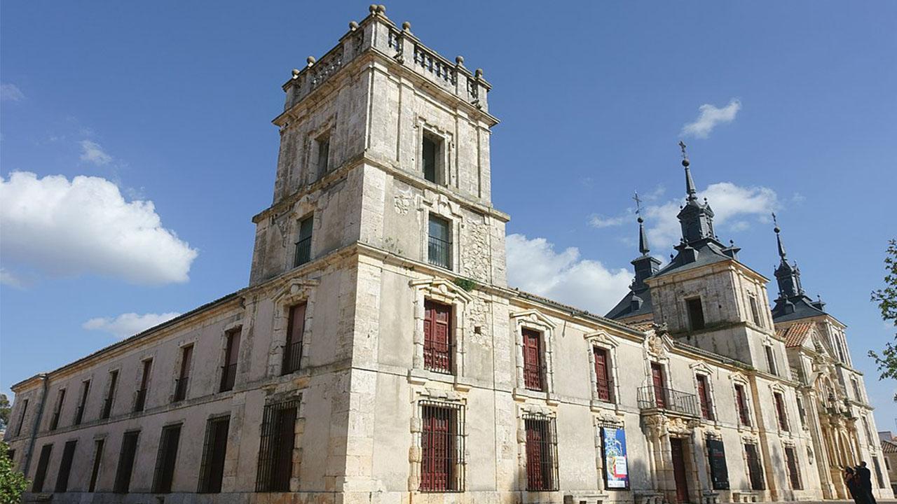 Palacio de Goyeneche e iglesia de San Francisco Javier Nuevo Baztan Madrid Espana.