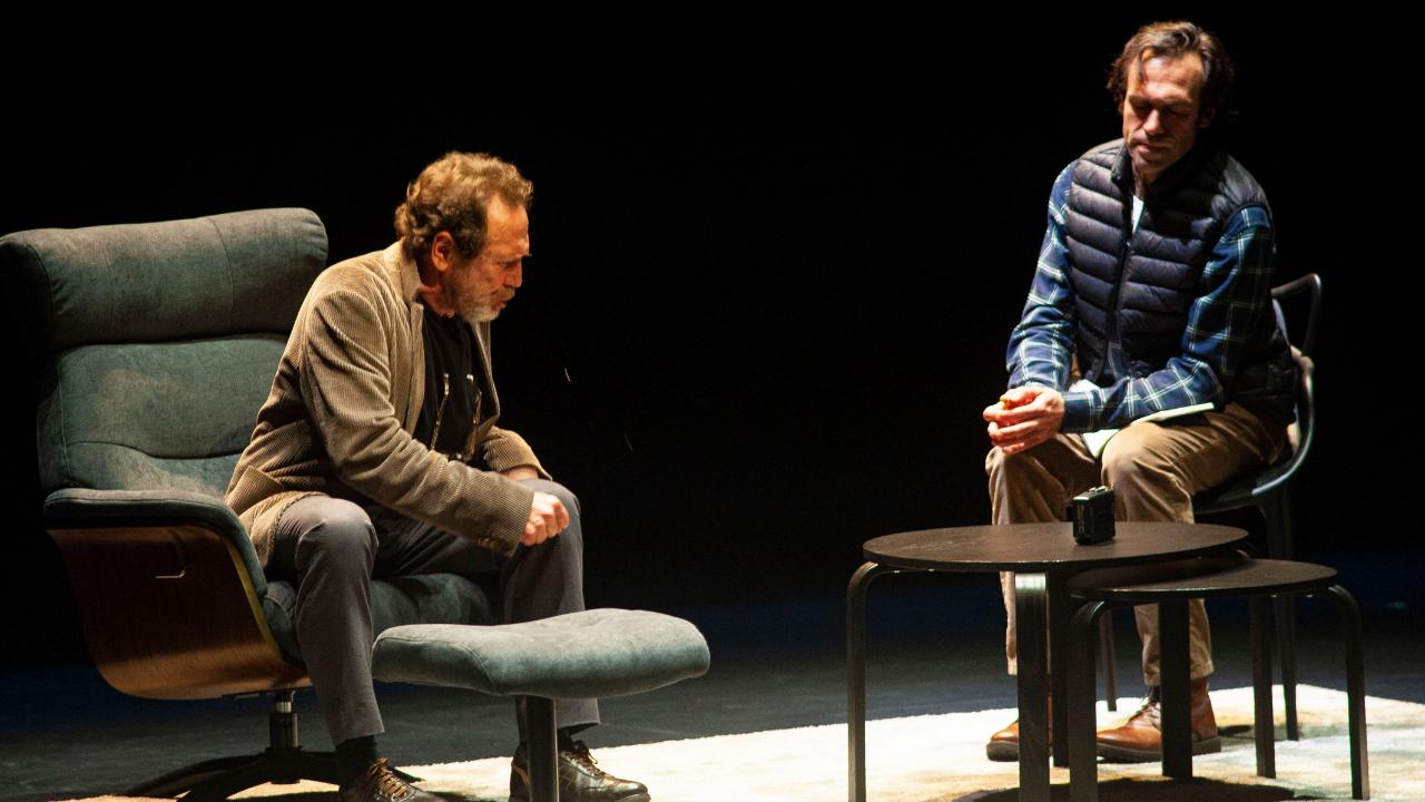 Alberto Iglesias y Juan Gea se enfrentan en un cruel juego de la verdad en el Arriaga