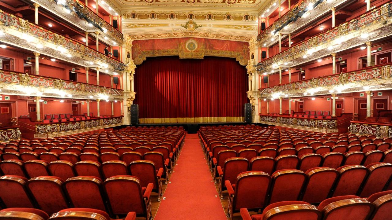 El Teatro Arriaga recupera el noviembre las visitas guiadas